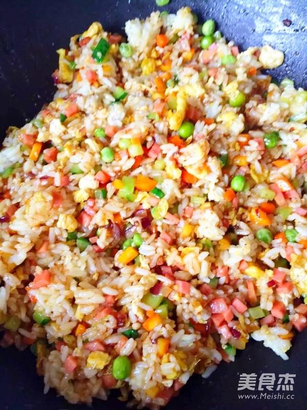 咖喱杂蔬炒饭怎么做