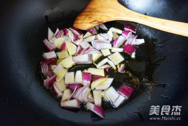 咖喱牛肉饭怎么吃