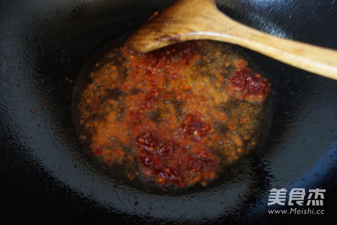 香辣牛肉面怎么吃