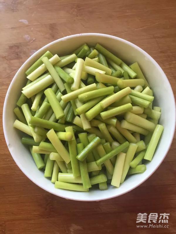 虾仁炒蒜苔的做法图解