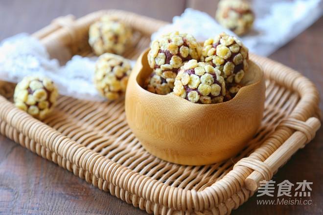 玉米片紫薯球成品图