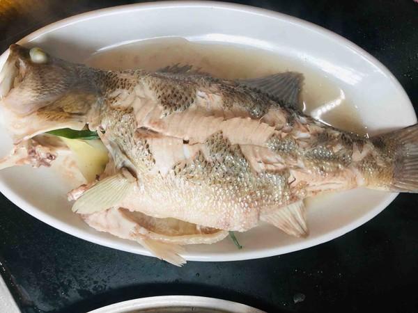 葱油鲈鱼的简单做法