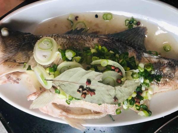 葱油鲈鱼怎么做
