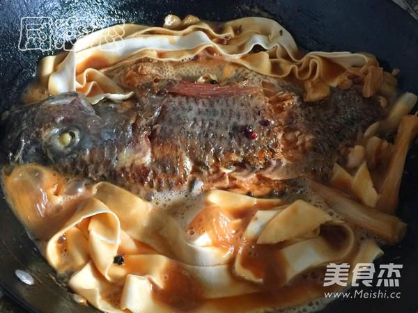 红烧罗非鱼怎么煸