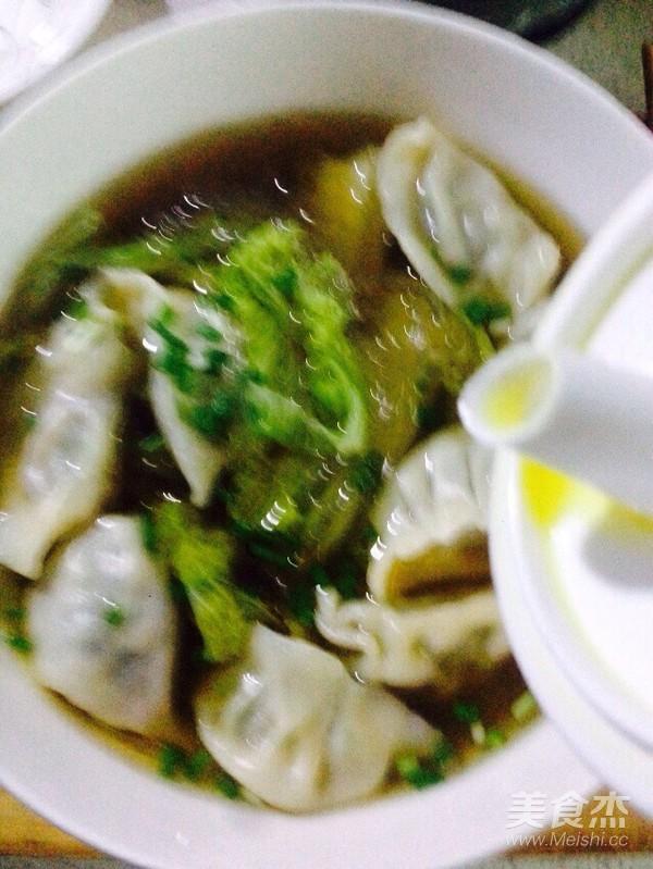 酸辣白菜粉条煮饺子怎么煸