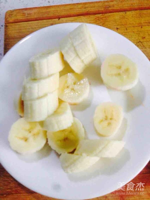 香蕉莲子百合红枣桂圆银耳汤怎么炖