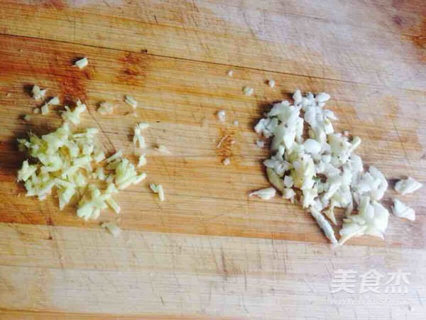 排骨炒菠萝的家常做法