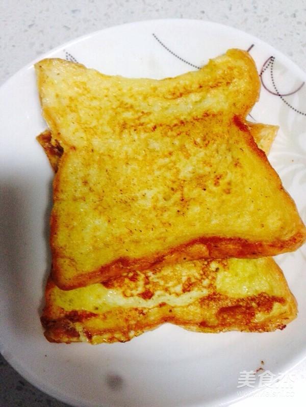 黄油鸡蛋纯牛奶煎吐司成品图