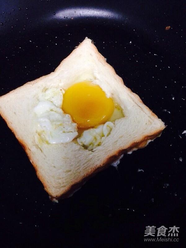 黄油香煎吐司鸡蛋怎么吃