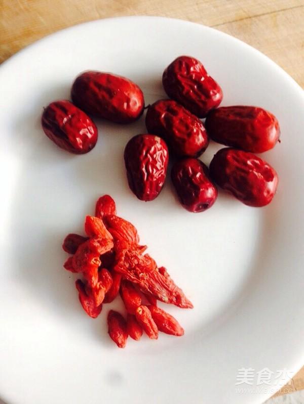 莲子百合红枣枸杞粥的家常做法