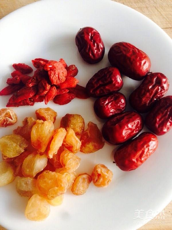 百合莲子桂圆红枣枸杞粥的做法大全