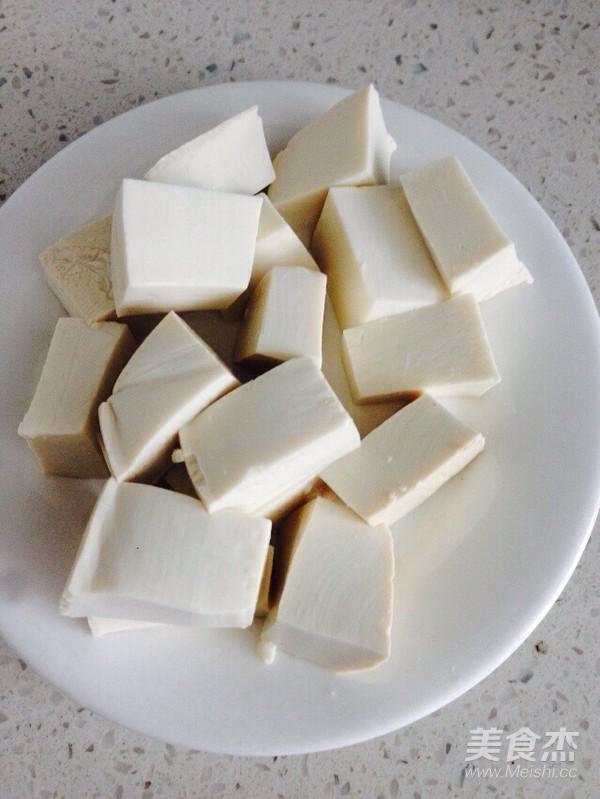 鲢鱼豆腐汤的家常做法