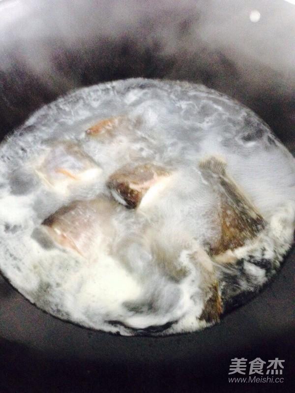 鲢鱼豆腐汤怎么炒