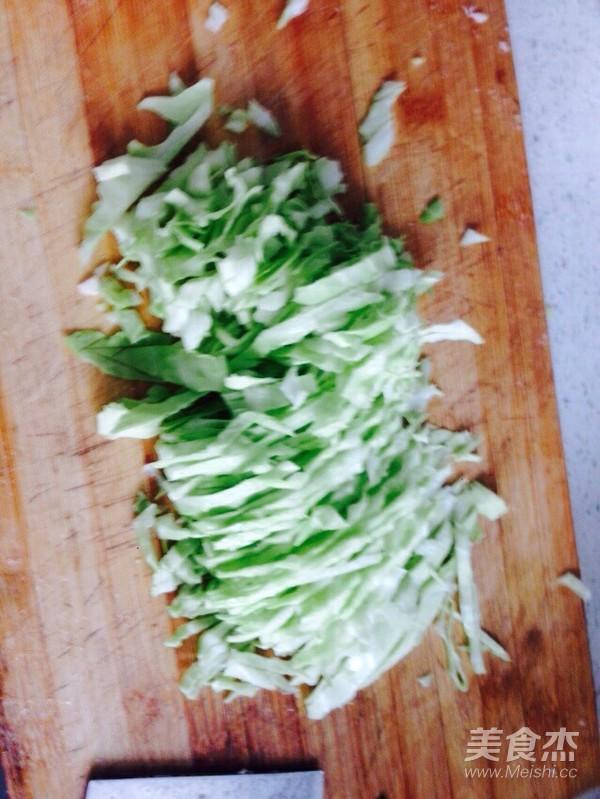 猪肉卷心菜煎包子怎么吃