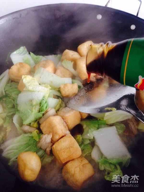 酸辣白菜猪肉炖油豆腐怎么煸
