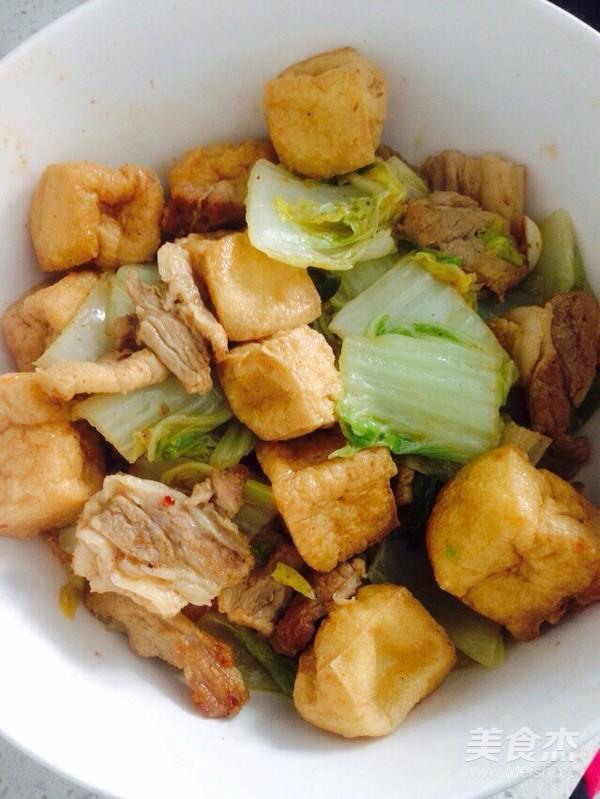 酸辣白菜猪肉炖油豆腐怎样炒
