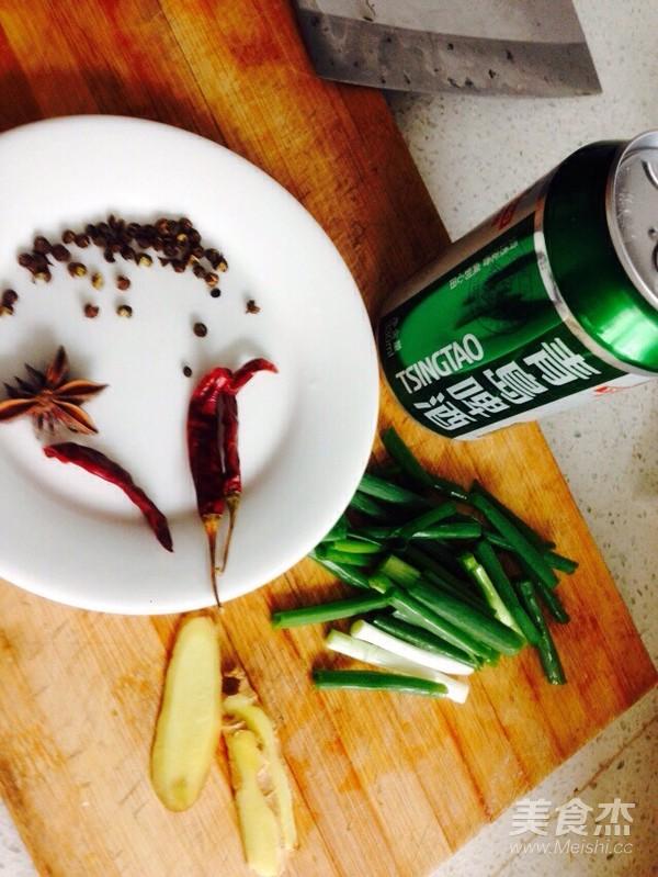 啤酒砂锅炖鸡翅板栗的做法大全