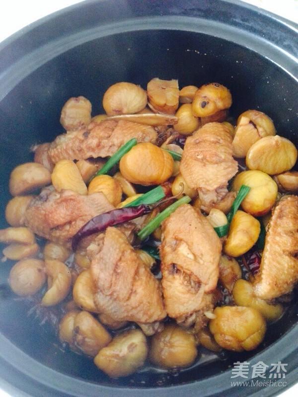 啤酒砂锅炖鸡翅板栗怎样炒