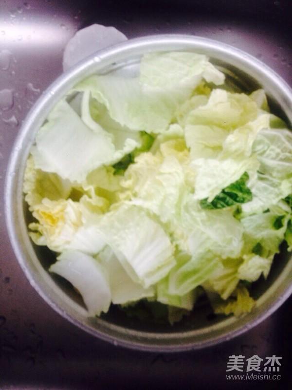 酸辣白菜猪肉炖粉条的简单做法