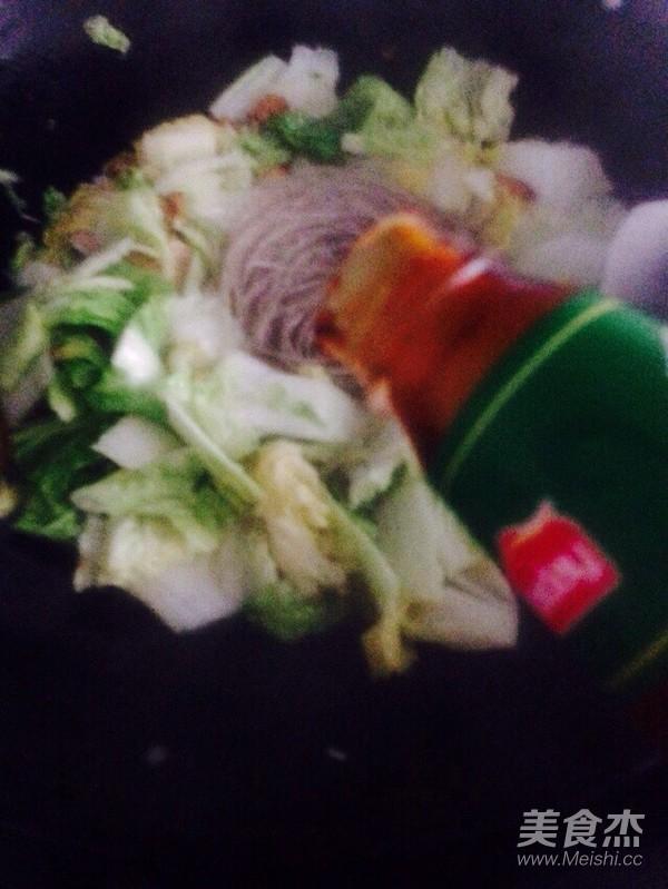 酸辣白菜猪肉炖粉条怎么炖