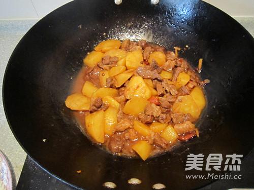 西北风味菜土豆炖羊肉怎样煮