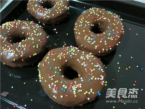 巧克力多彩甜甜圈的做法大全
