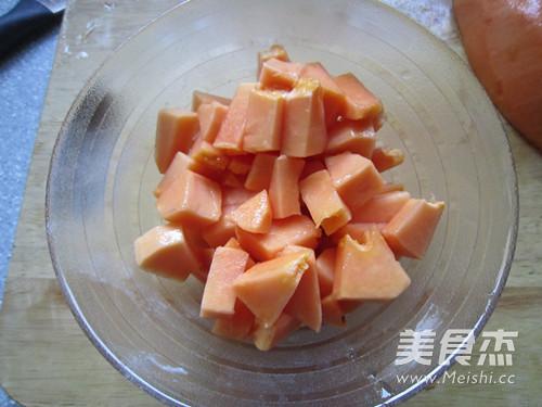 木瓜银耳枸杞莲子羹怎么吃