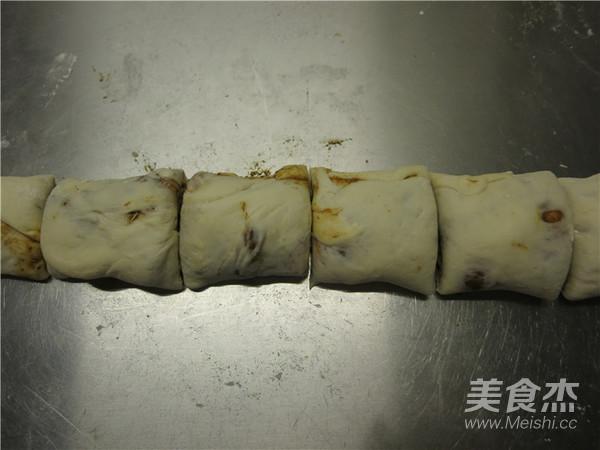 老北京麻酱烧饼怎样煸
