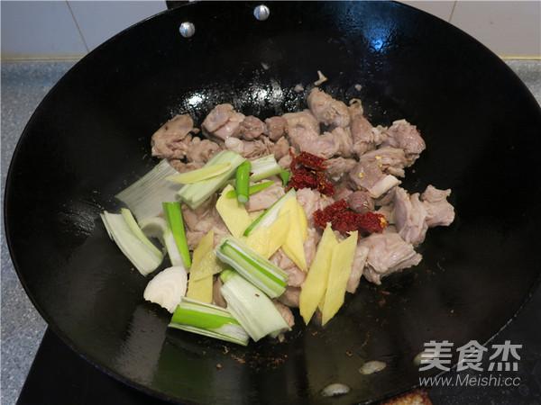胡萝卜烧羊肉怎么炒