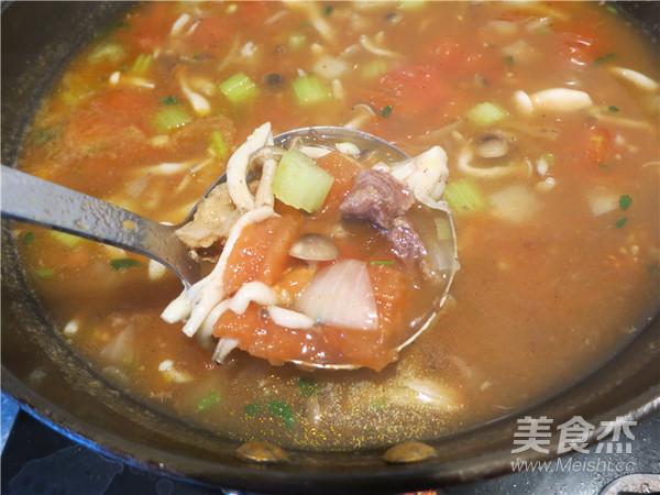 西红柿牛腩汤的制作