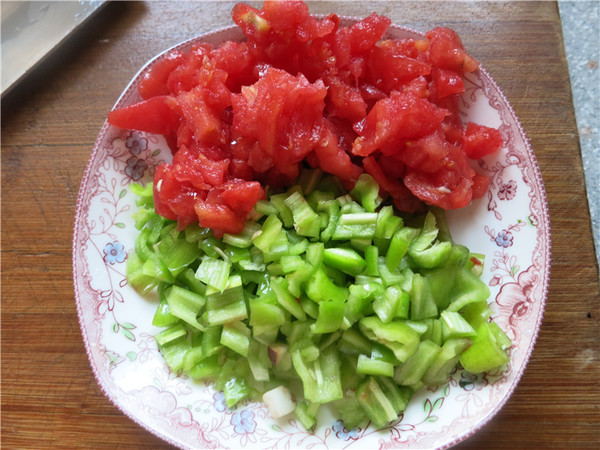 茄子辣椒西红柿猪肉包怎样炖