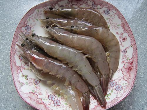 翘尾巴的金银蒜蓉开背虾怎样煮