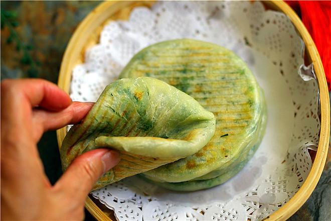 皮薄如纸全烫面韭菜饼成品图