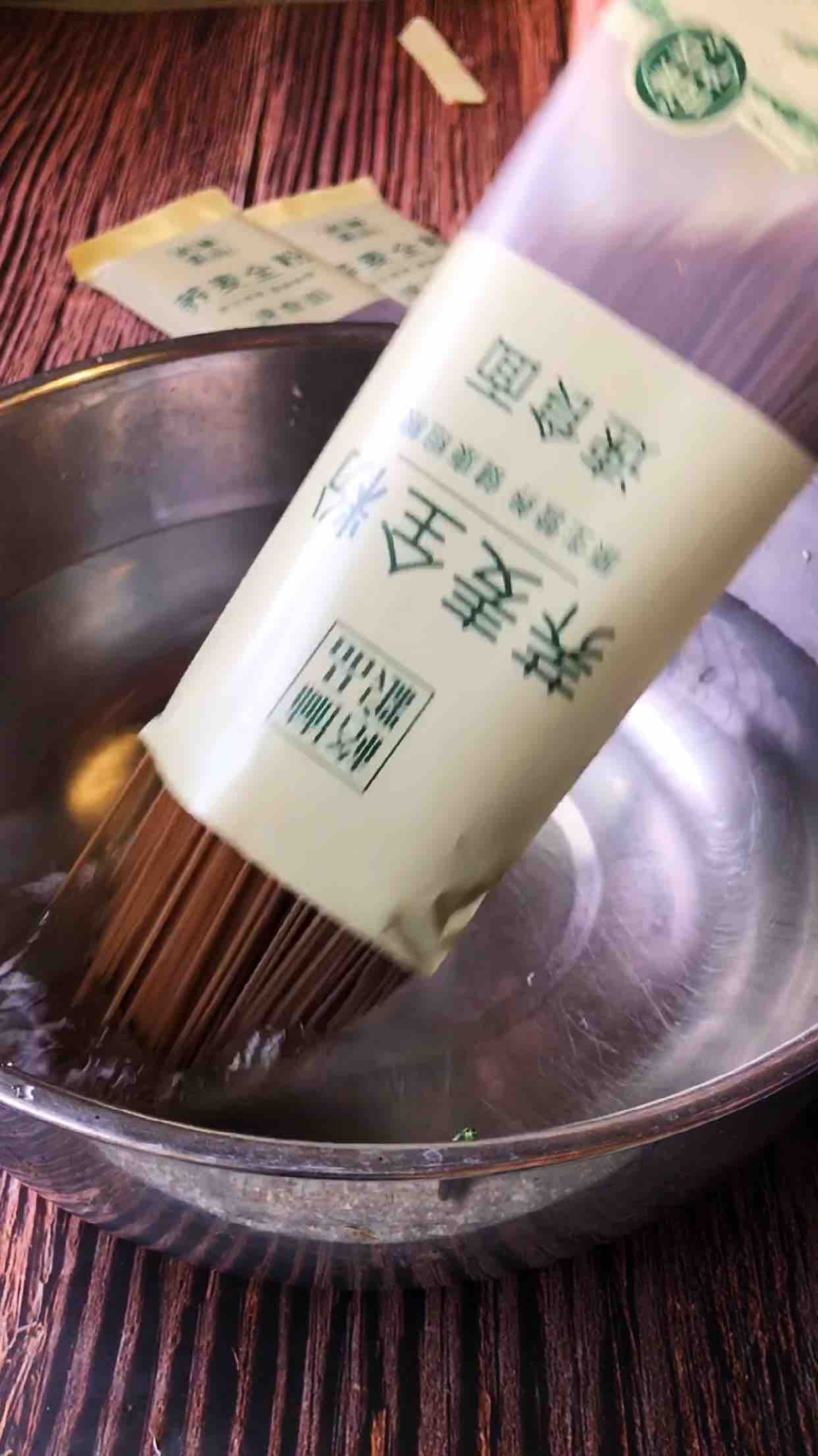 荞麦速食炒面的步骤