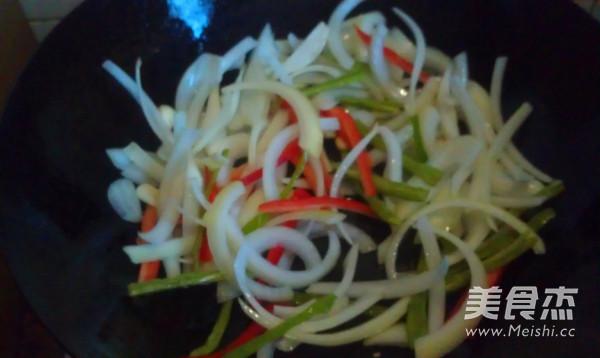 洋葱炒豆干怎么吃