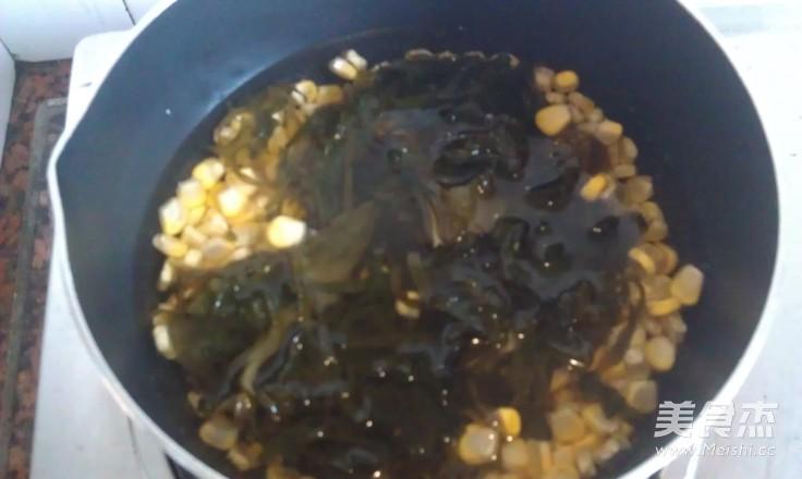 海带肉片汤的家常做法