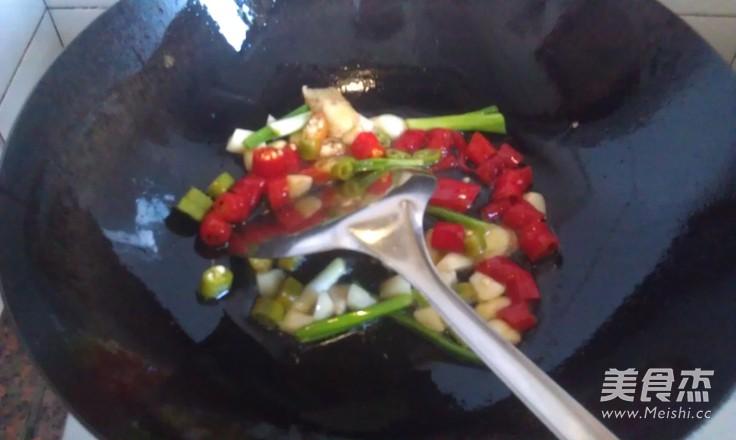 九层塔炒海瓜子的家常做法