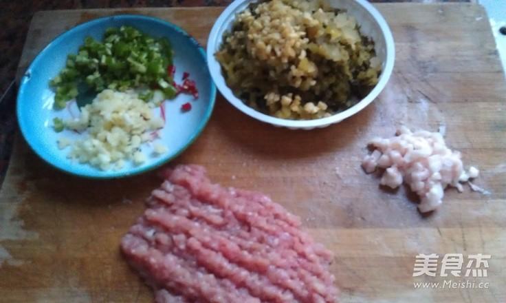 猪肉末炒酸菜的做法图解