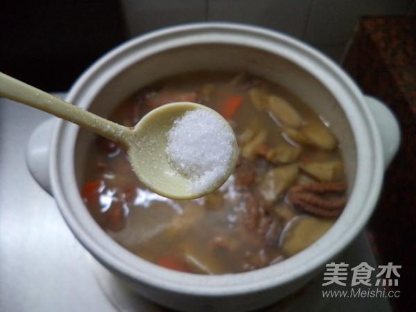 鱿鱼干牛蒡汤怎么煮