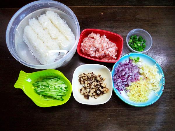 香菇肉酱米粉的步骤