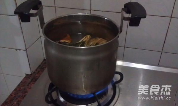 菜干排骨粥怎么做