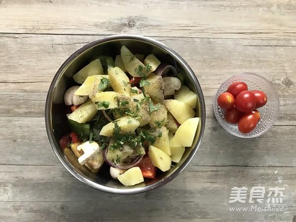 迷迭香杂蔬烤法式羊排的家常做法