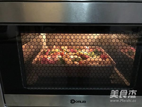 迷迭香杂蔬烤法式羊排怎么做