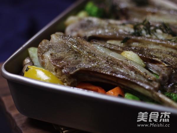 迷迭香杂蔬烤法式羊排怎样煮