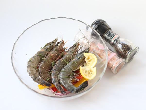 煎烤迷迭香大虾的做法图解