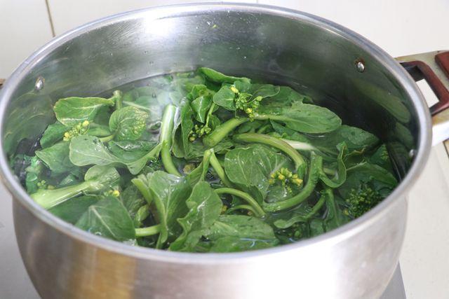 焯水油菜花的做法图解