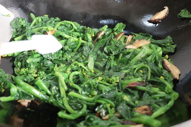 焯水油菜花的简单做法