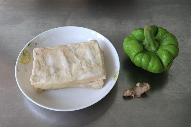 姜柄瓜蒸臭豆腐的做法大全