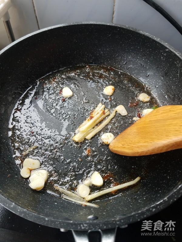 茄汁大虾怎么吃