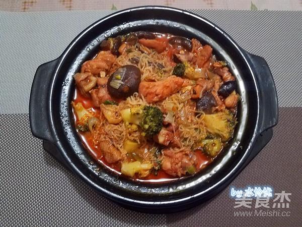 韩式酱香鸡公煲成品图